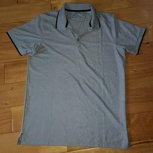 Oakley active tshirt size M